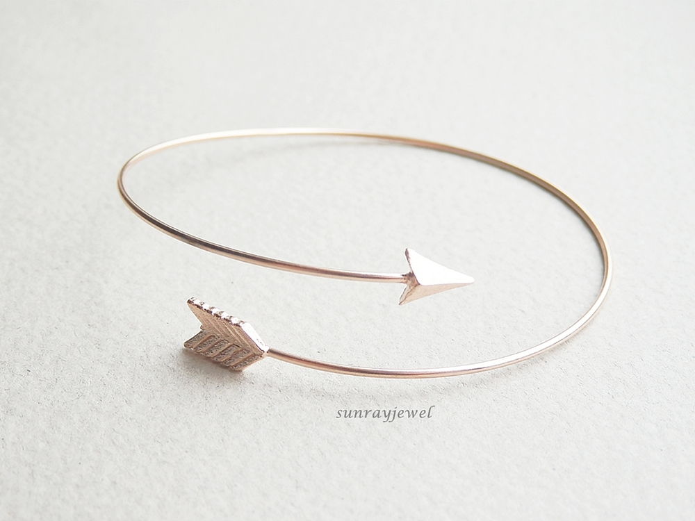 Arrow Bangle Bracelet in Rose